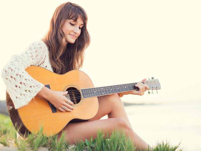 Học gì đầu tiên khi mới bắt đầu chơi đàn guitar