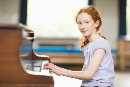 Зачем ребенку заниматься музыкой?