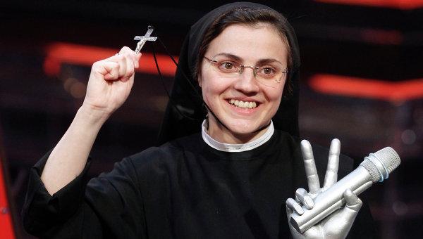 Итальянская монахиня записала дебютный альбом каверов